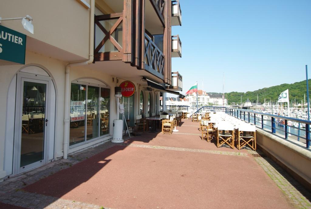 Vente port guillaume local pouvant etre transforme en - Agence du port port guillaume dives sur mer ...